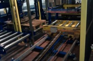High-infeed palletiser for cartons