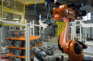 Robotic depalletization of engine blocks