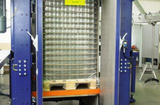 3. Paletizace skleniček, kbelíků a kartonů a depaletizace skleniček